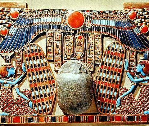 pectoral-decorated-with-the-winged-scarab-protected-by-isis-and-nephthys-from-the-tomb-of-tutankhamun-c-1370-52-bc-egypt